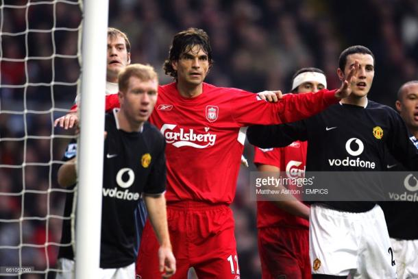 Pellegrino frente a Manchester United en su época como jugador de Liverpool | Foto: Getty.