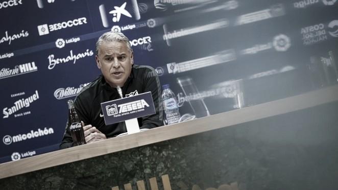 Sergio Pellicer en rueda de prensa. / Foto: Málaga CF