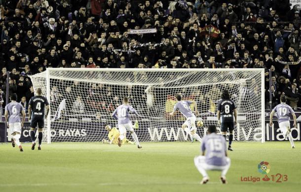 Lanzamiento del penalti de Mata | LaLiga 1|2|3