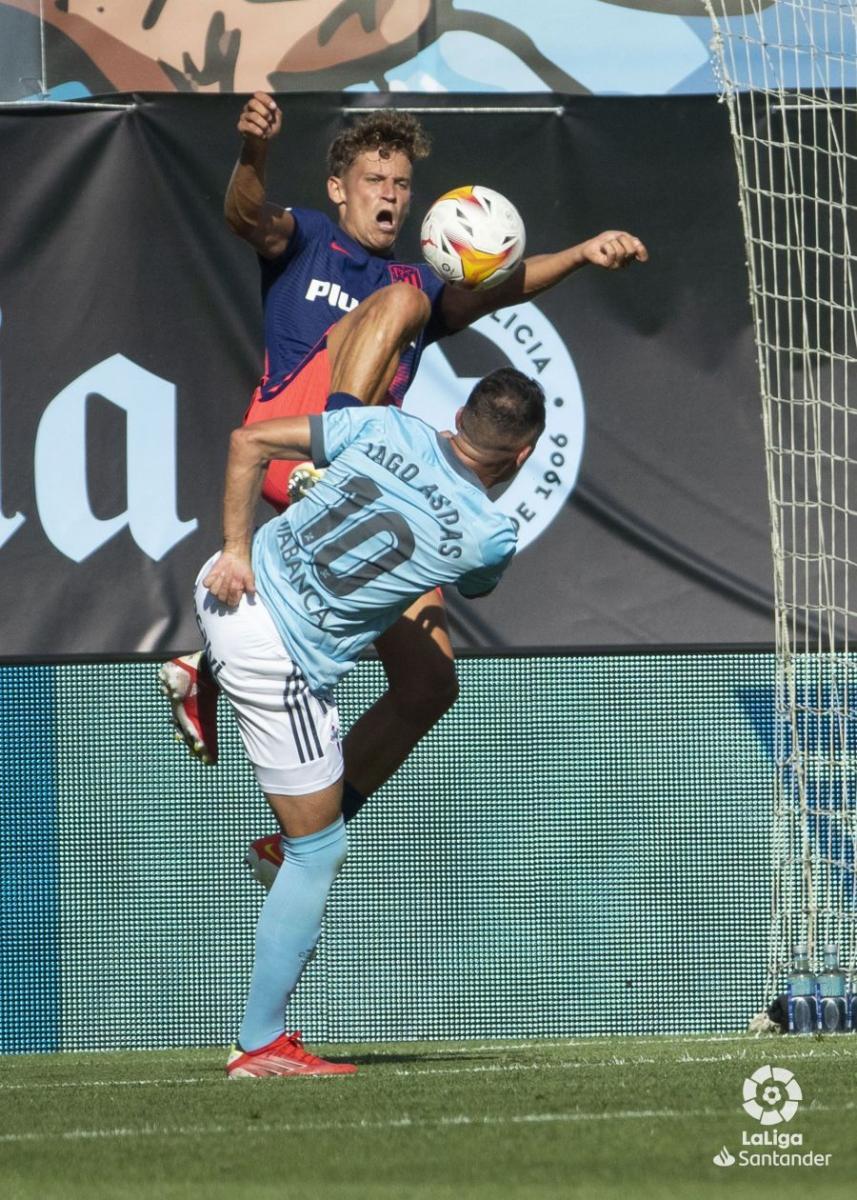 Acción del penalti cometido por Marcos Llorente | Imagen: LaLiga