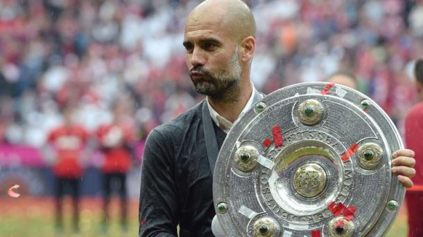 Pep poses with the Meisterschale. | Image source: Sky Sports