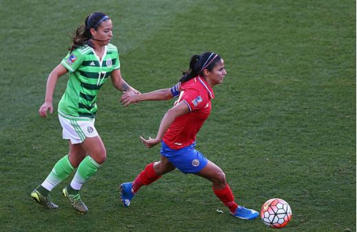 Veronica Perez (left), who has represented Mexico 89 times international, can't even play in the new league | Source: Ronald Martinez - Getty Images