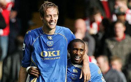 Current Sunderland striker Jermain Defoe has a successful history of doing well with a tall striker alongside him like Peter Crouch at Portsmouth and Tottenham. (Image Source: The Telegraph)