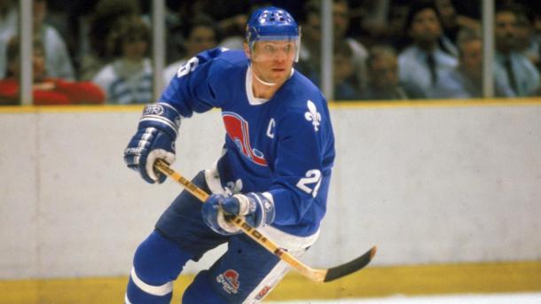 Peter Stastny jugando con los Nordiques / NHL.com