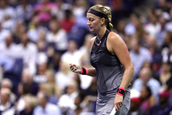 Petra Kvitova celebrates winning a point with a fistpump | Photo: Matthew Stockman/Getty Images North America