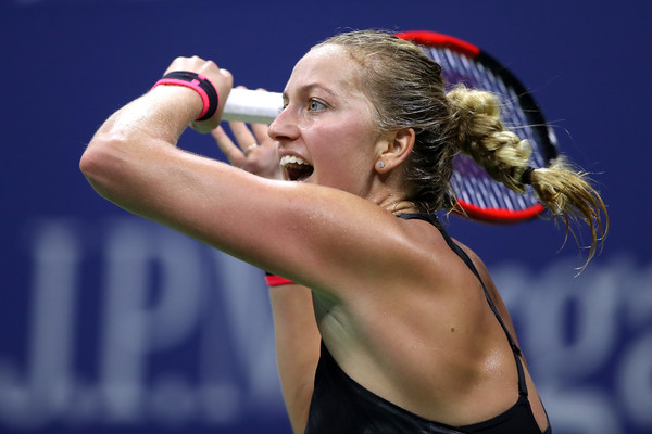 Petra Kvitova sends the match into a deciding set tiebreak | Photo: Matthew Stockman/Getty Images North America