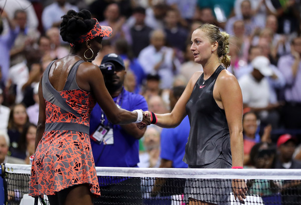 Venus Williams and Petra Kvitova exchanged some nice words at the net after their thriller | Photo: Matthew Stockman/Getty Images North America