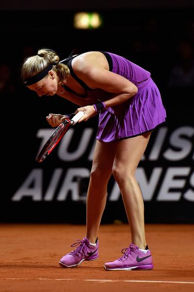 Petra Kvitova celebrates a point against Angelique Kerber | Photo: Dennis Grombkowski/Bongarts