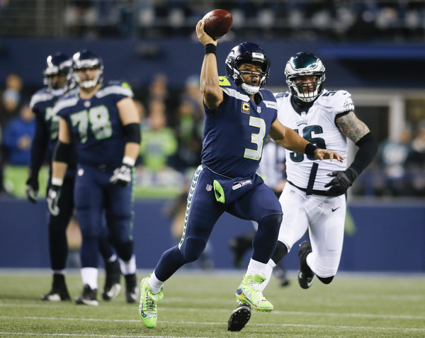 Quarterback Russell Wilson #3 of the Seattle Seahawks passes against the Philadelphia Eagles. |Source: Jonathan Ferrey/Getty Images North America|