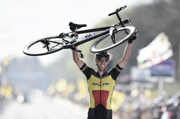 Philippe Gilbert celebrando la victoria en el Tour de Flandes.  Fuente: Quick-Step Floors