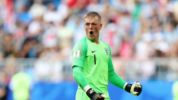 Pickford brilhou para garantir a vitória inglesa (Foto: FIFA/Getty Images)