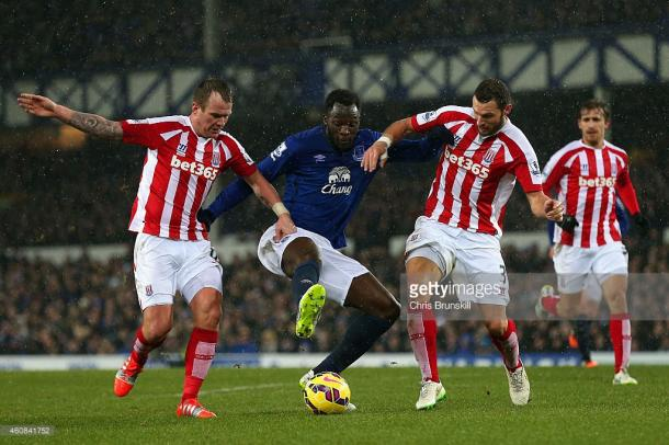 Pieters battles Lukaku at Goodison Park in 2014. Source | Getty Images.