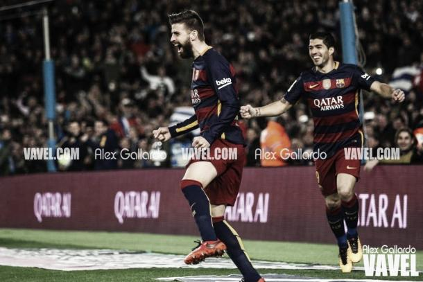 Piqué celebra un nuevo gol