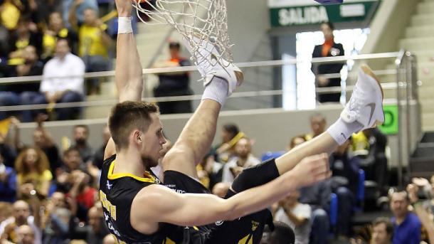 Mateusz Ponitka es un all-around player | Foto: ACB Photo