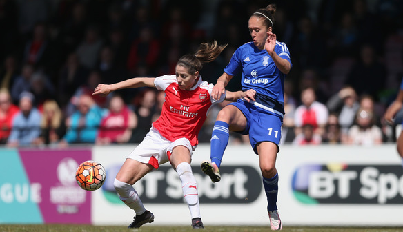Jo Potter challenges Van de Donk. (Source: WSL.com)