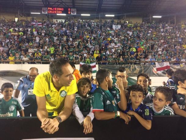 Fernando Pras está na Fonte Luminosa (Foto:@SEPalmeiras)