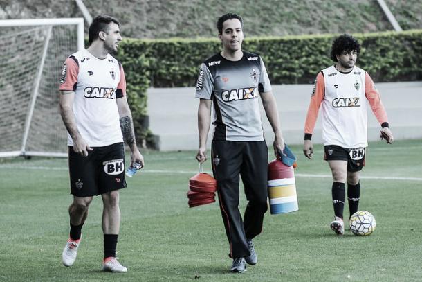 Pratto e Luan estão bem próximo de voltar a jogar (Foto: Bruno Cantini/Atlético-MG)