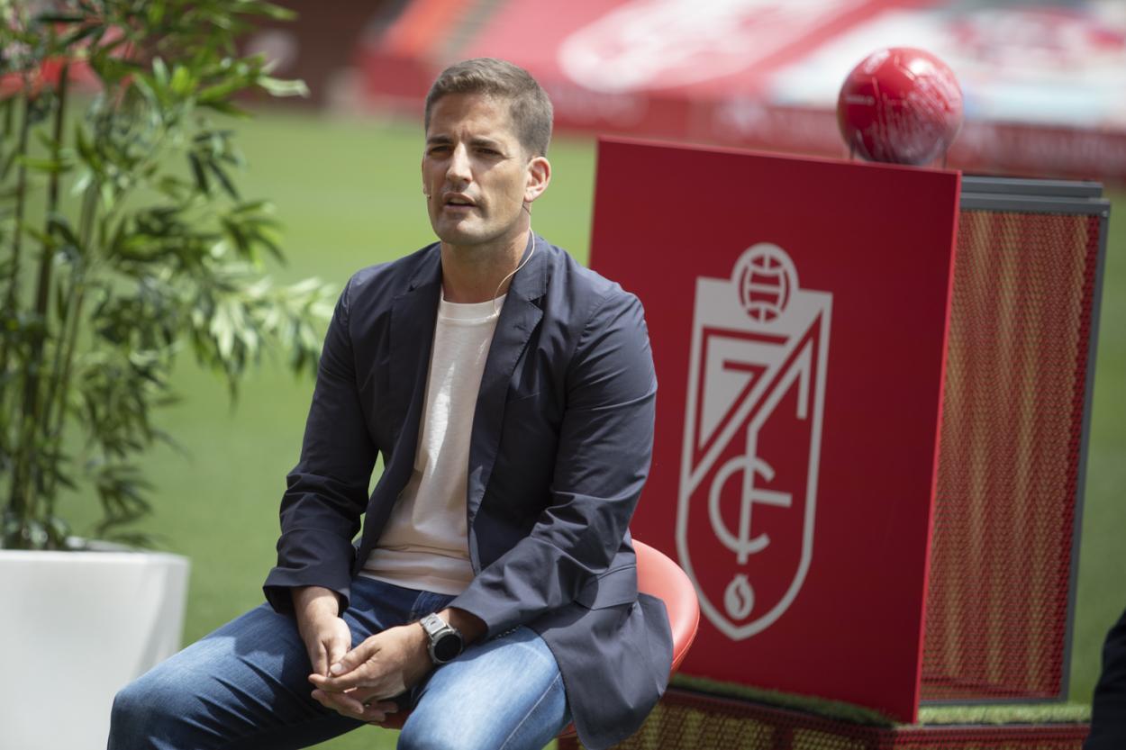 Robert Moreno en su presentación con el Granada CF | Foto: ALJ