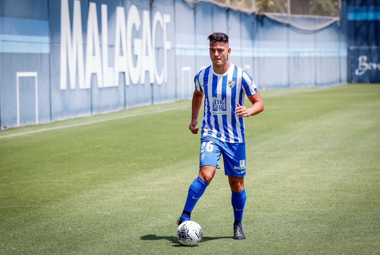Ismael Gutiérrez en su presentación oficial como nuevo futbolista del Málaga CF / Fuente Málaga CF