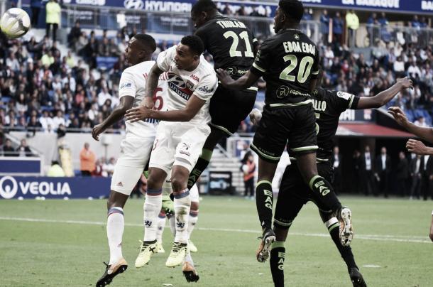 Último enfrentamiento entre el Lyon y el EAG. Foto: https://twitter.com/EAGuingamp