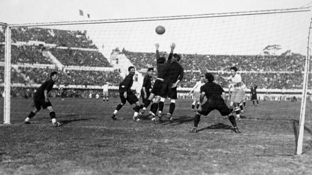 Primer gol de Guillermo Stábile en el Mundial de Uruguay 1930, frente a México | Foto: FIFA