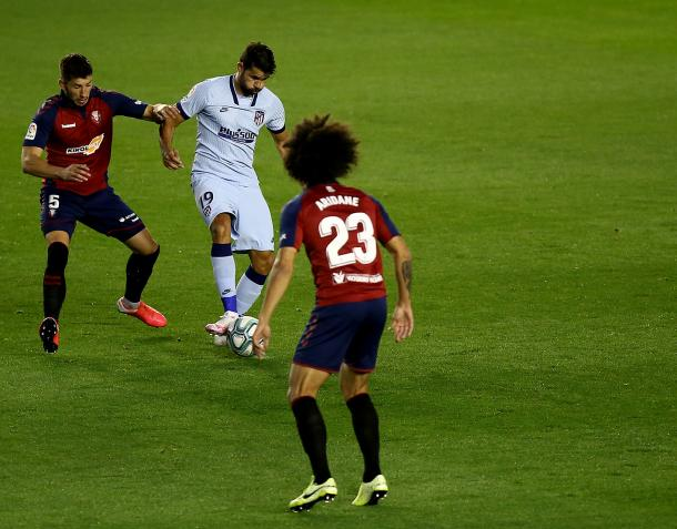 Diego Costa en la primera ocasión del partido
