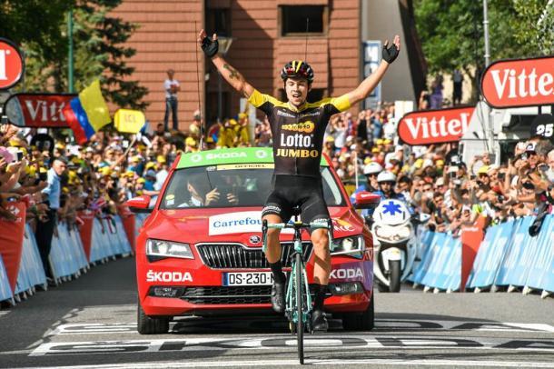 Primoz Roglic entra en ganador en la meta de Serre-Chevalier. | Foto: TDF