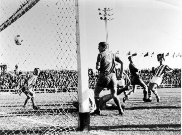 El gol de Aranbarri en Puertollano. Fotografía: CD Puertollano