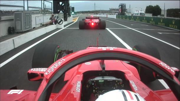 Le due Ferrari all'uscita della pit-lane con gomme intermedie   twitter - @F1