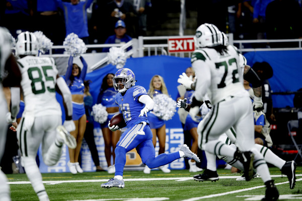Diggs gave the Lions an immediate 7-0 lead with this interception return for a TD/Photo: Rey Del Rio/Getty Images