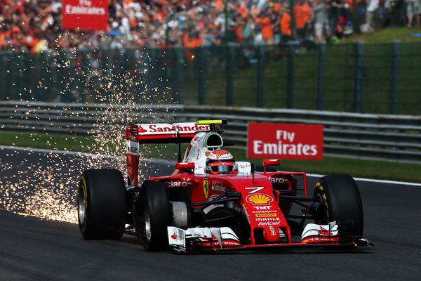 Räikkönen teve muitos problemas e chegou em nono (Foto: Charles Coates/Getty Images)