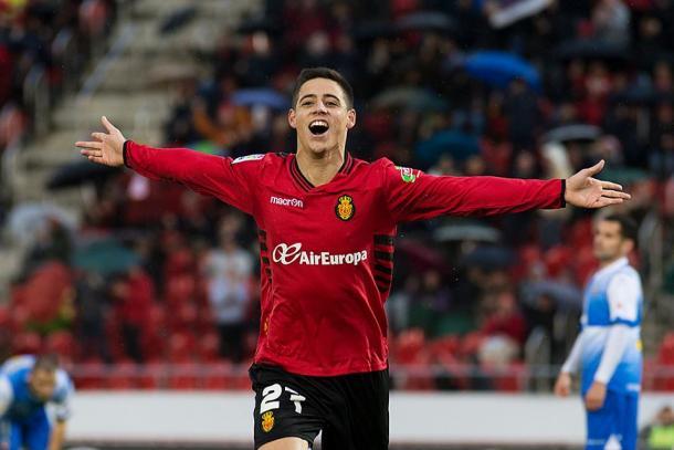 Álex Moreno celebrando un gol   Fotografía: RCD Mallorca