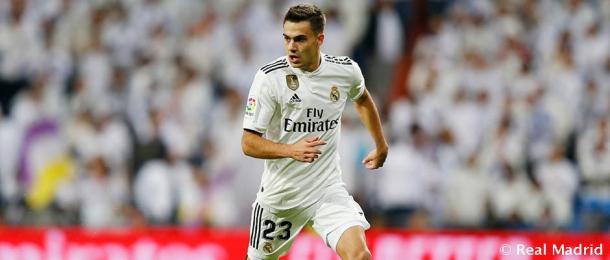 Reguilón durante un partido con el Madrid | Foto: Real Madrid