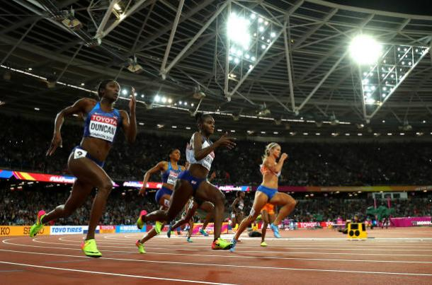Schippers begins to lead the field heading into the final 100m (Getty/Richard Heathcote)