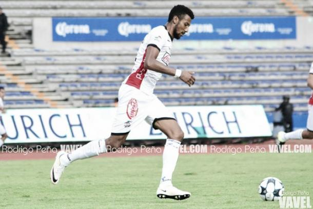 Okunorobo consiguió el ascenso con Lobos BUAP pero no pudo debutar en Primera División (Foto: Rodrigo Peña)