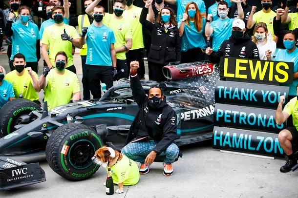 Celebración del equipo Mercedes. Fuente: Petronas Motorsport