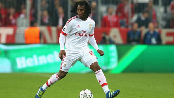 Sanches in action at the Allianz Arena. | Image source: Sky Sports