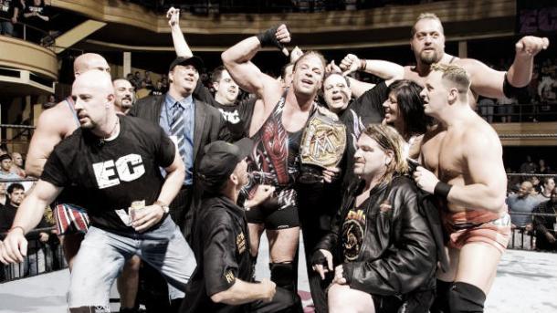 RVD celebrates his Championship win with his fellow ECW alumni (image:bleacherreport.com)