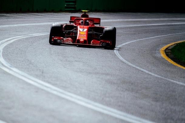 Räikkönen fecha a primeira fila, mas muito atrás do tempo de Hamilton (Foto: Divulgação/Scuderia Ferrari)