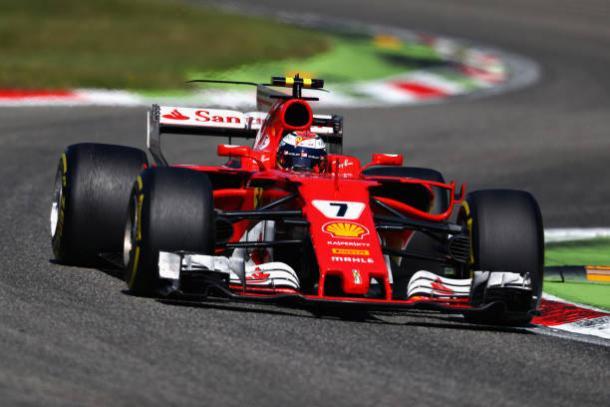 Räikkönen foi ultrapassado por Ricciardo no fim e chegou em quinto (Foto: Clive Rose/Getty Images)