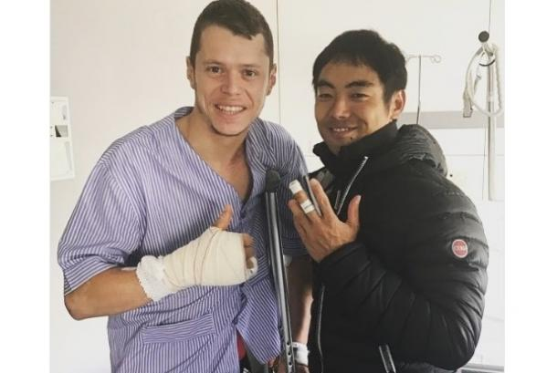 Tito Rabat receives a hospital visit from Hiroshi Aoyama (www.twitter.com - @TitoRabat)