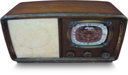 Aparato de radio, marca Iberia. Foto: http://www.museofernandomaestre.com/