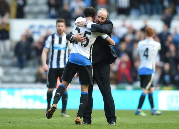 Rafael Benitez and Andros Townsend embrace after Newcastle's win over Crystal Palace | Photo: Getty