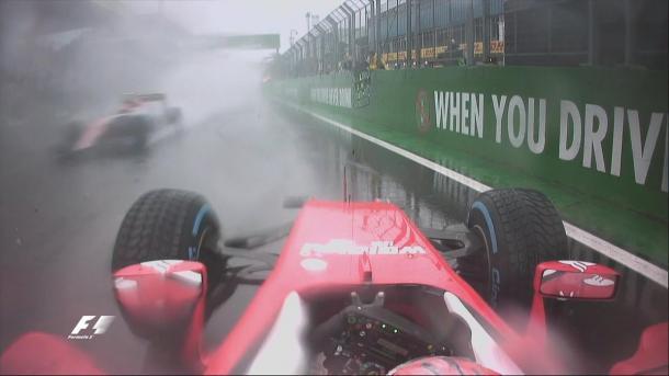 O acidente de Raikkonen trouxe a bandeira vermelha (Foto: Divulgação/F1)