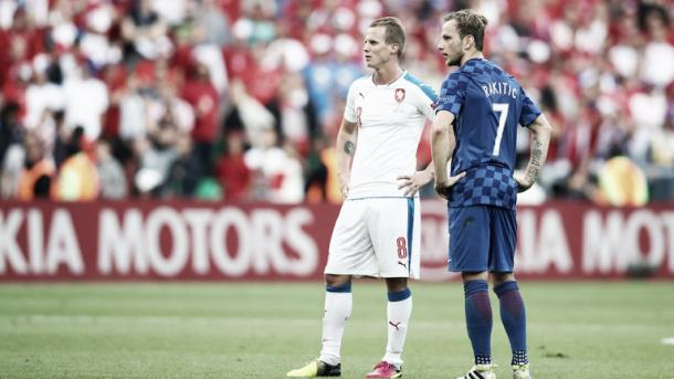 Above: Ivan Rakitic waiting on the pitch in Croatia's 2-2 draw with the Czech Republic | Photo: Sky Sports