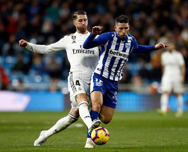 Ramos recupera un balón ante Calleri/ Foto: Real Madrid