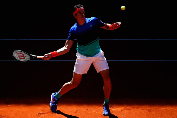 Milos Raonic prepares to drive a forehand. Photo: Julian Finney/Getty Images