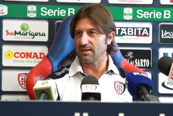 Massimo Rastelli assumiu o Cagliari na Serie B e conquistou o título da competição na temporada 2014/15 | Foto: Getty Images