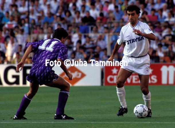 Villarroya en septiembre de 1991 durante un encuentro con el Real Madrid. | FOTO: Juha Tamminen.