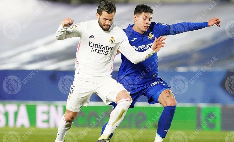 Real Madrid vs Getafe, Nacho vs Olivera // Fuente: Getafe CF